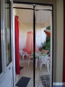 Fliegengitter an der Tür