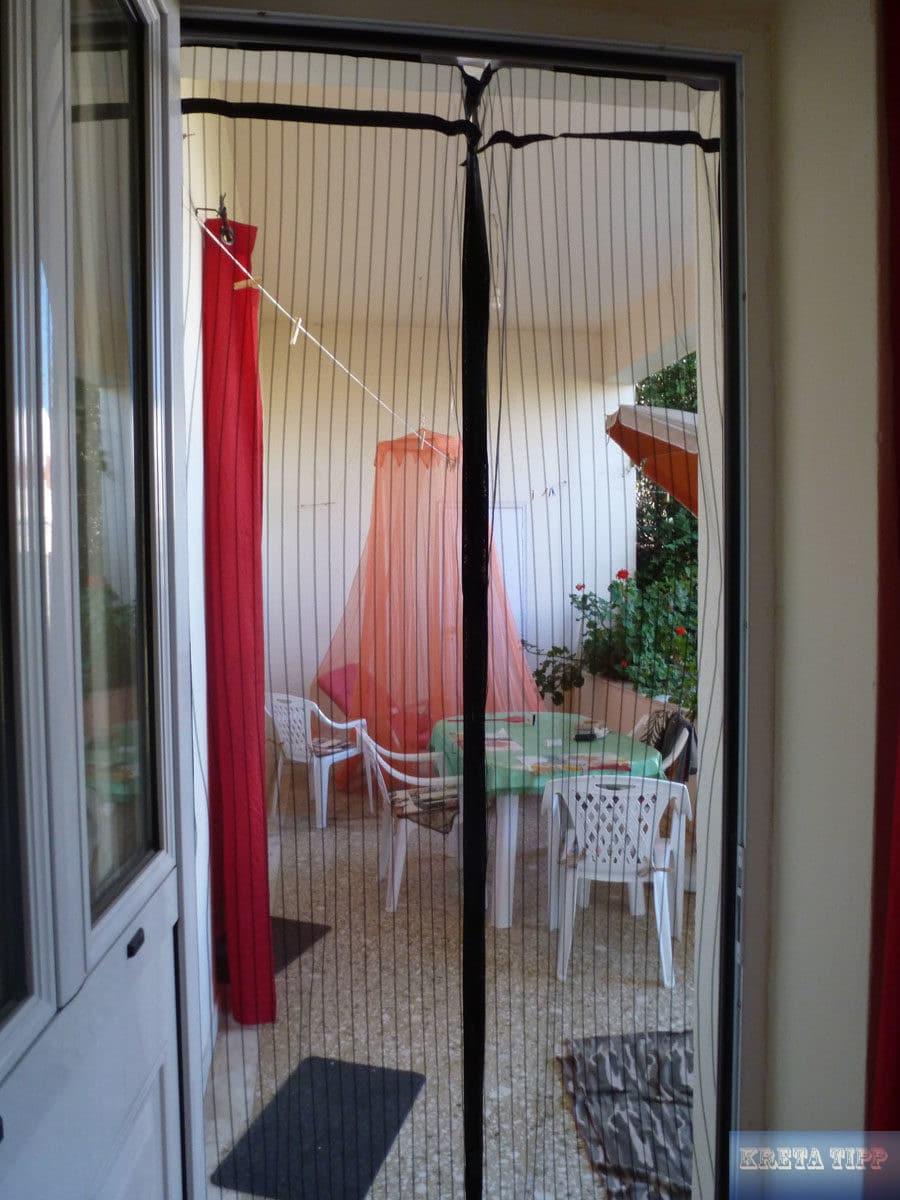 Fliegennetz an der Tür