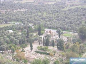 Blick vom Hügel mit der Akropolis