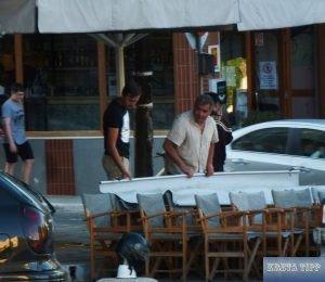 Vorbereitungen für die Wiedereröffnung von Cafes, Restaurants